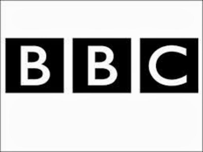 capa - BBC – Engolido pelo Buraco Negro – HDTV Legendado ( 2013 )