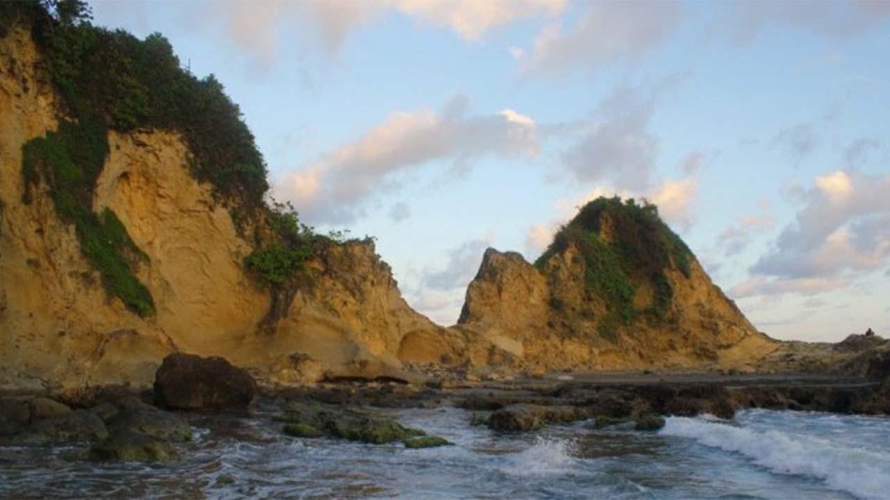 Karang Nini, Wisata Pantai Sekaligus Wana Wisata