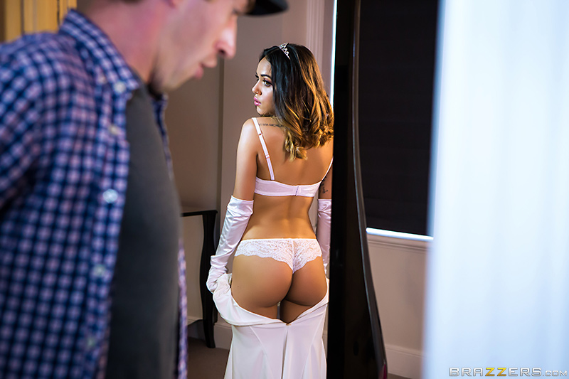 UNCENSORED [brazzers]2017-07-09 Naughty Little Debutante, AV uncensored