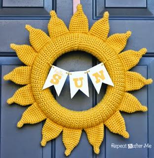 http://translate.googleusercontent.com/translate_c?depth=1&hl=es&rurl=translate.google.es&sl=en&tl=es&u=http://www.repeatcrafterme.com/2014/05/crochet-summer-sun-wreath.html&usg=ALkJrhj3fDPJP0mJxLfnNFfSF-RW8jktKw
