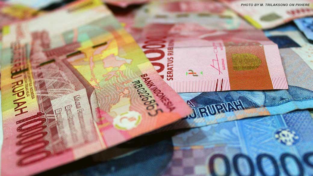 uang-money-rupiah-banknotes-saat-tepat-mempersiapkan-tabungan-pensiun-asuransi-labollatorium