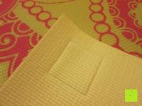 """Rückseite: Yogamatte """"Ravana"""" Die ideale Yoga- und Gymnastikmatte für Yoga-Einsteiger. Maße: 183 x 61 x 0,4cm / Paisley gelb"""