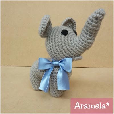 elefante amigurumi con moño