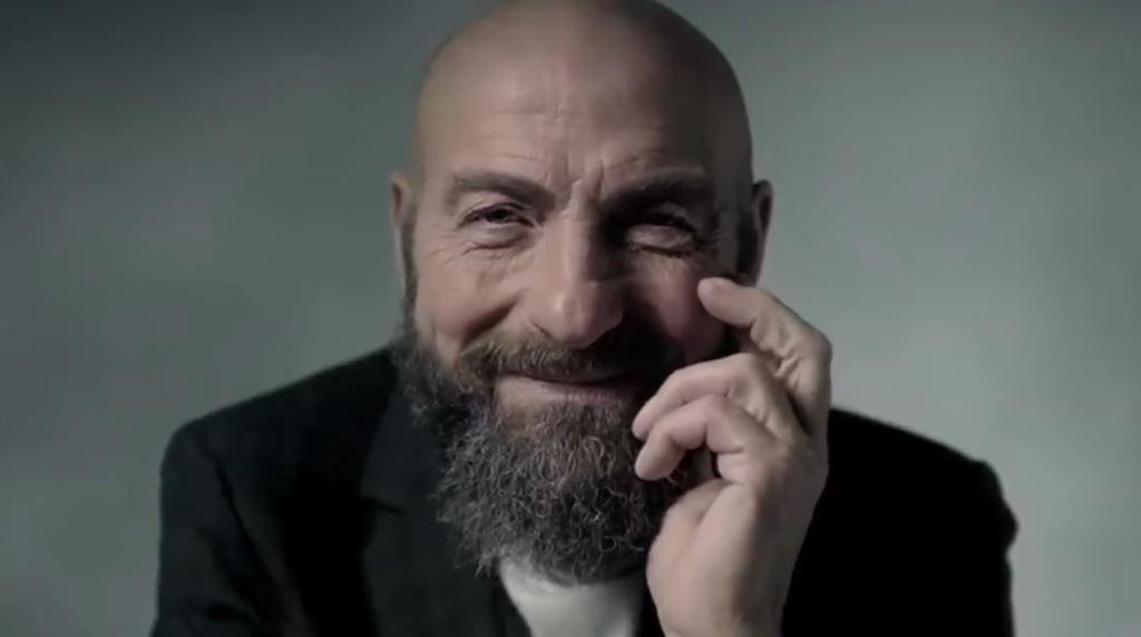 Pubblicità Fineco pubblicità uomo tecnologia piu' evoluta - Testimonial spot