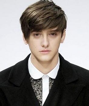 Gaya rambut pendek untuk pria formal