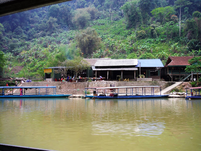 lunch stop village ba be national park boat tour vietanm