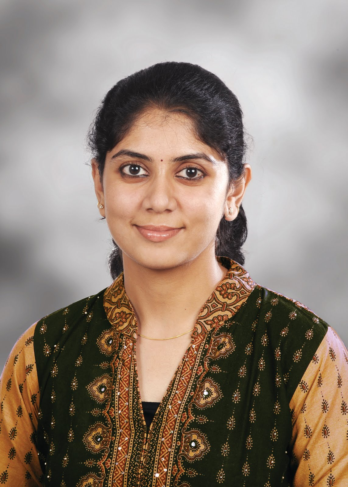 Actor karthi and wife Ranjani photos ~ FilmRitz - A ...  Actor Karthi Daughter Umayaal Photos