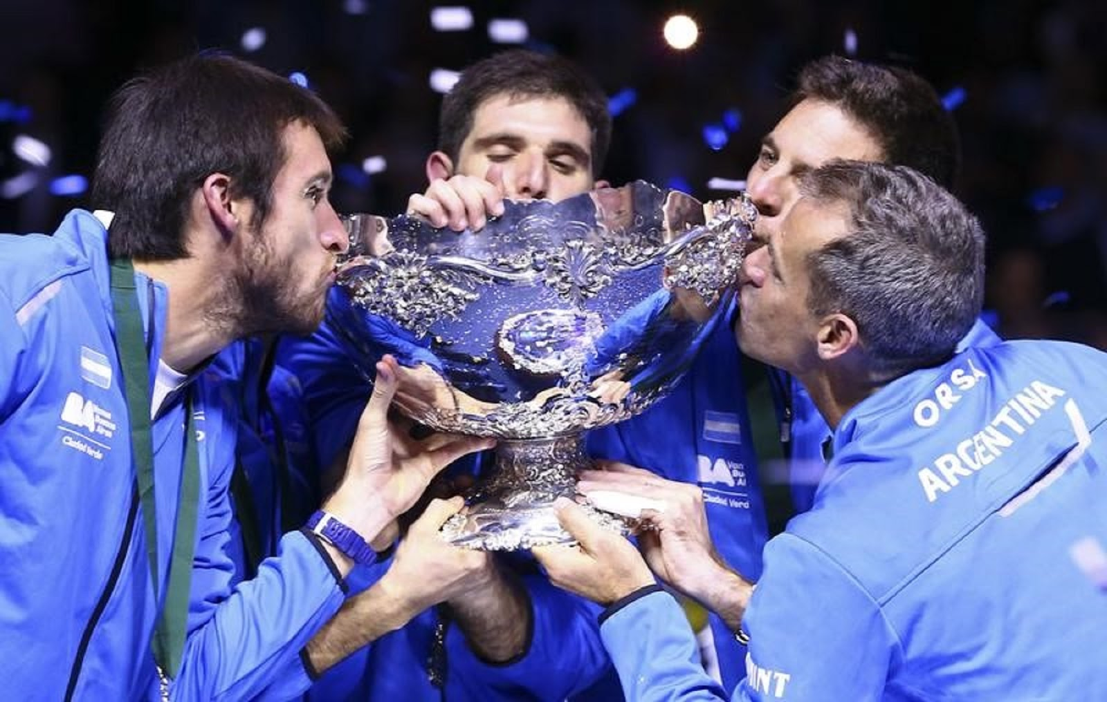 ARGENTINA DAVIS CUP CHAMPIONS 6