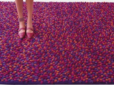 Carpets that distinguish 8