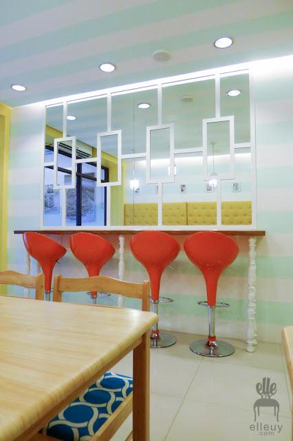 ice cream shop interior, teal and yellow shop, kreamy island