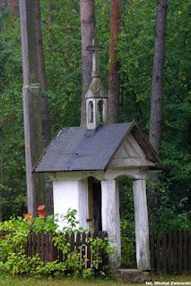 Brok, kapliczka domkowa drewniana