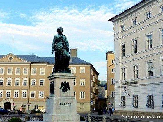 Plaza de Mozart, Mozartplatz, Salzburgo, Austria