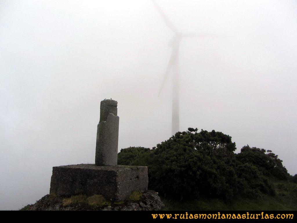 Ruta Llan de Cubel y Cueto: Cima del pico el Cueto