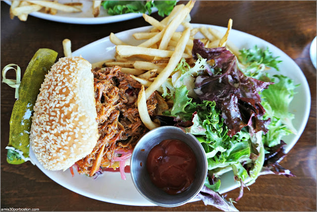 CK Pearl de Essex: BBQ Pulled Pork Sandy
