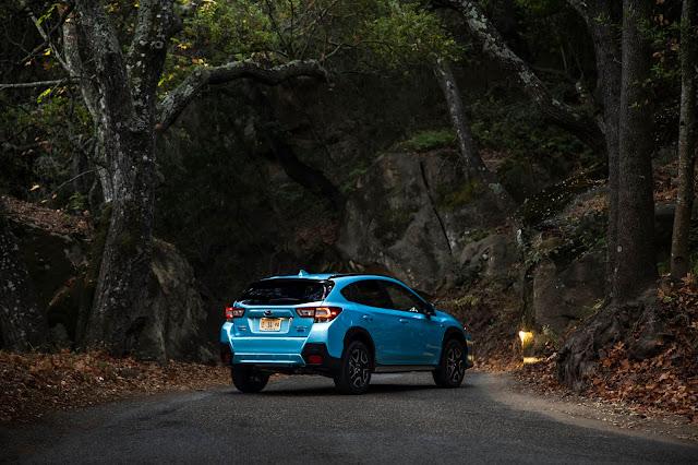 Rear 3/4 view of 2019 Subaru Crosstrek Hybrid