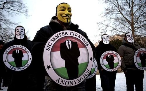anonymous e il vaticano