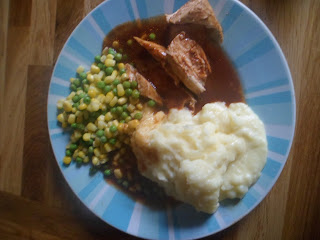 Vinaigrette Chicken, cheesy mash, peas and sweetcorn adult portion