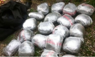 Kukes, 12 packets of cannabis and 20 molds of explosives found in a cave