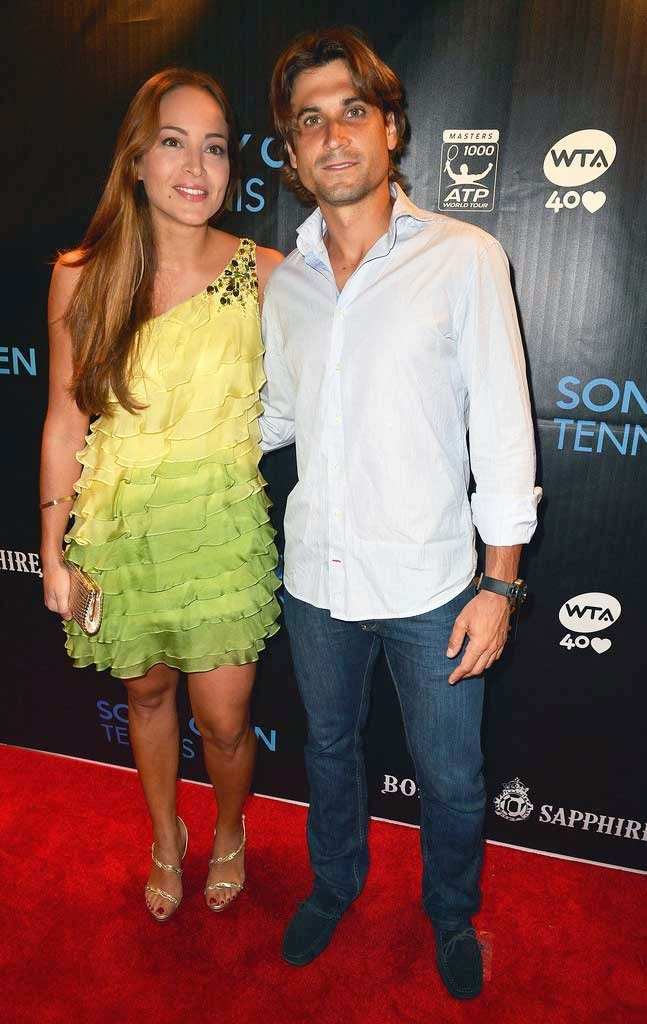 David-Ferrer-Ern-and-his-girlfriend-in-price-giving-ceromony