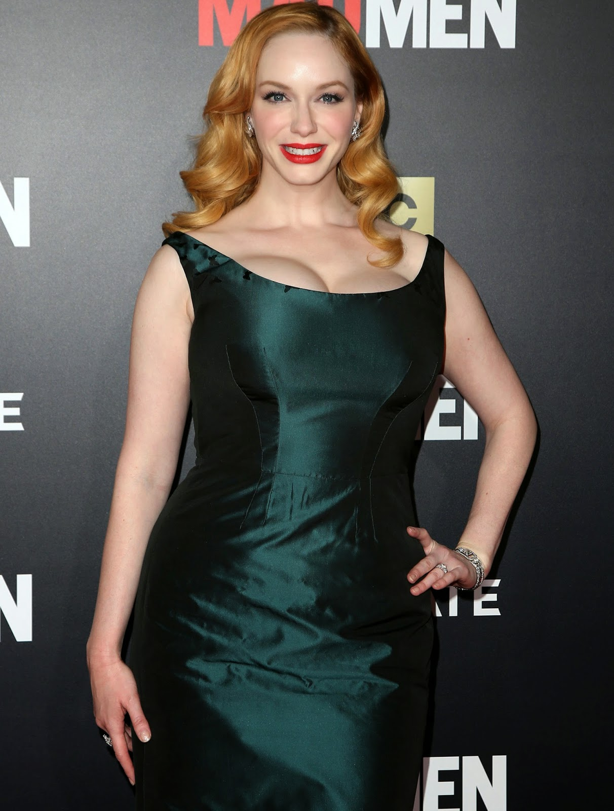 Christina Hendricks' Bust Show Is Back