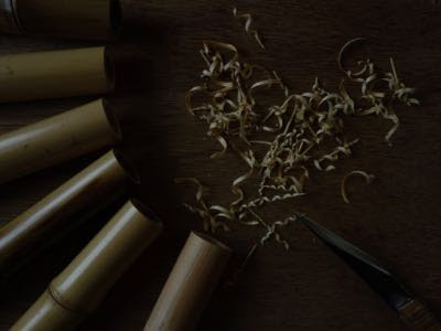 切ったり削ったり、花入やら花籠やら春へと