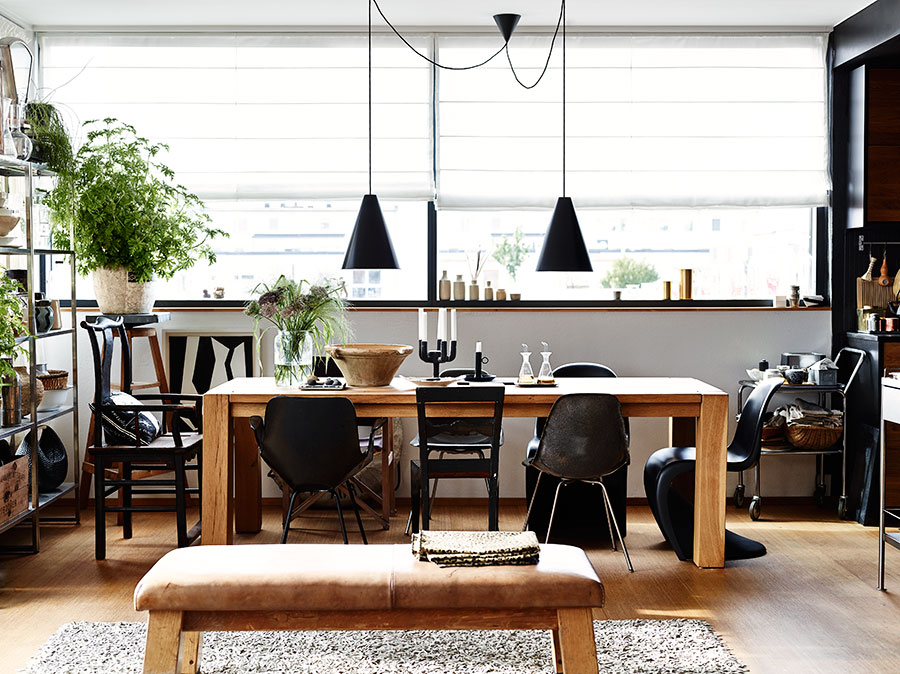 Negru elegant mult lemn i accente industriale n malm for Al saffar interior decoration l l c