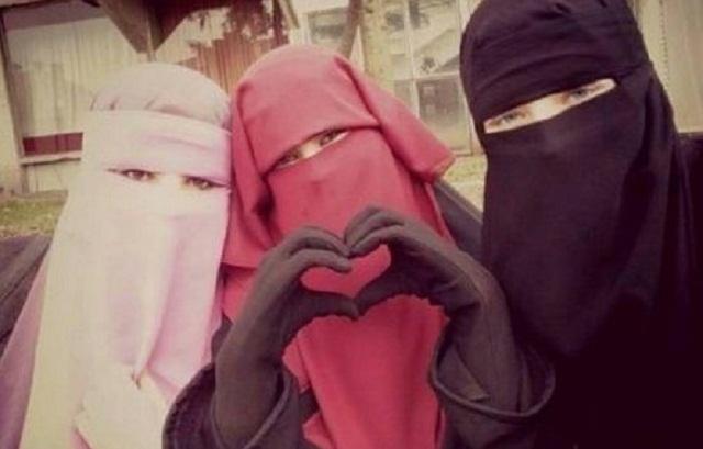 """Banyak oknum gadis Indonesia mempunyai prinsip sesat """"hijabi hati"""" dulu sebelum hijabi aurat."""