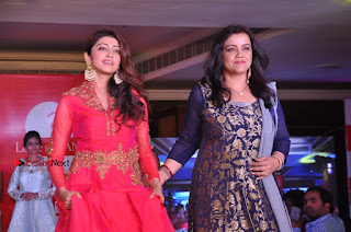 South Indian Celebrities Pos at Love For Handloom Collection Fashion Show  0147.jpg