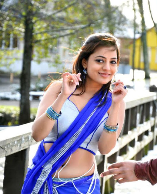 Nisha agarwal latest hot navel show