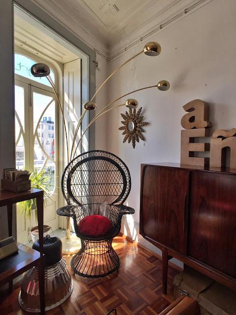 vintage, cadeira emanuelle, anos 70, móveis vintage, loja vintage, nórdico, aveiro
