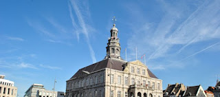 Pour votre voyage Maastricht, comparez et trouvez un hôtel au meilleur prix.  Le Comparateur d'hôtel regroupe tous les hotels Maastricht et vous présente une vue synthétique de l'ensemble des chambres d'hotels disponibles. Pensez à utiliser les filtres disponibles pour la recherche de votre hébergement séjour Maastricht sur Comparateur d'hôtel, cela vous permettra de connaitre instantanément la catégorie et les services de l'hôtel (internet, piscine, air conditionné, restaurant...)