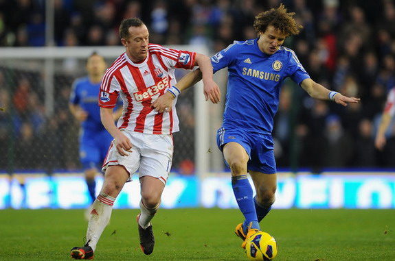 David Luiz appears for Chelsea against Stoke with his hair just had a little bit off on top