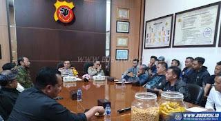 Jadwal Persib vs Persija Batal Diundur, Tetap Minggu 23 September 2018