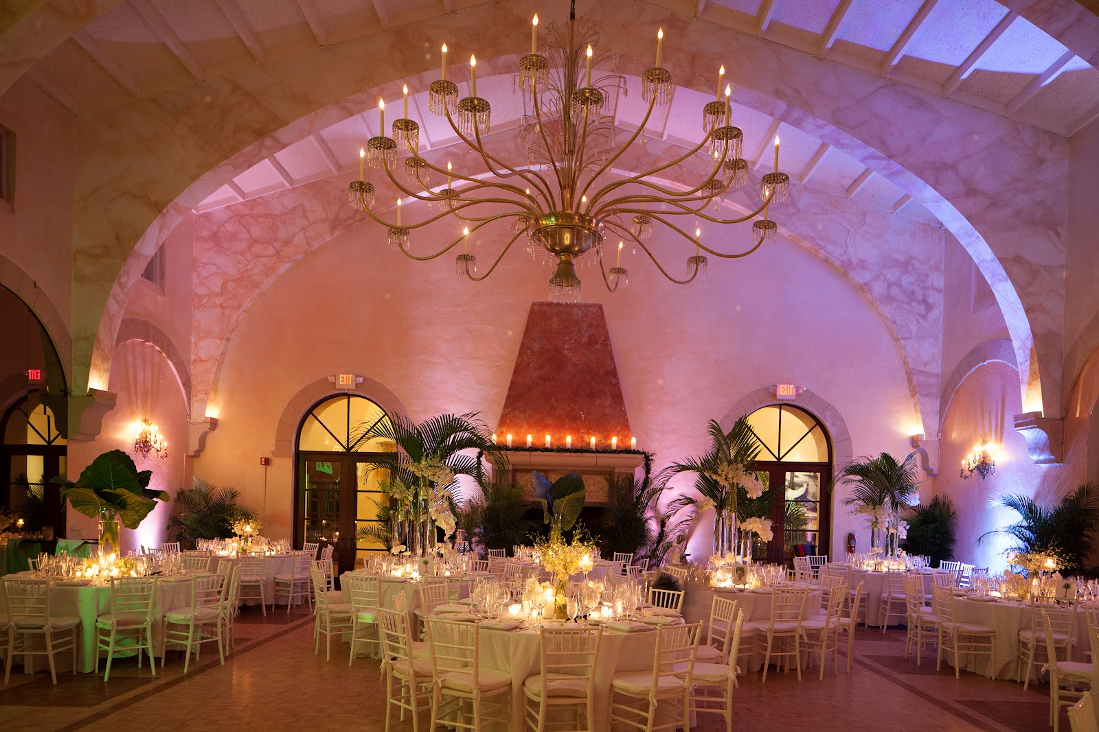 ocean flowers divine design by guerdy caicedo wedding surf club. Black Bedroom Furniture Sets. Home Design Ideas
