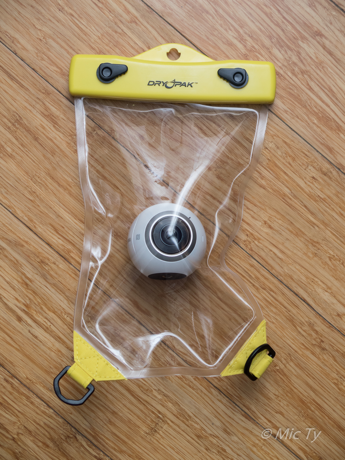 Waterproof case for the samsung gear 360 and other 360 cameras