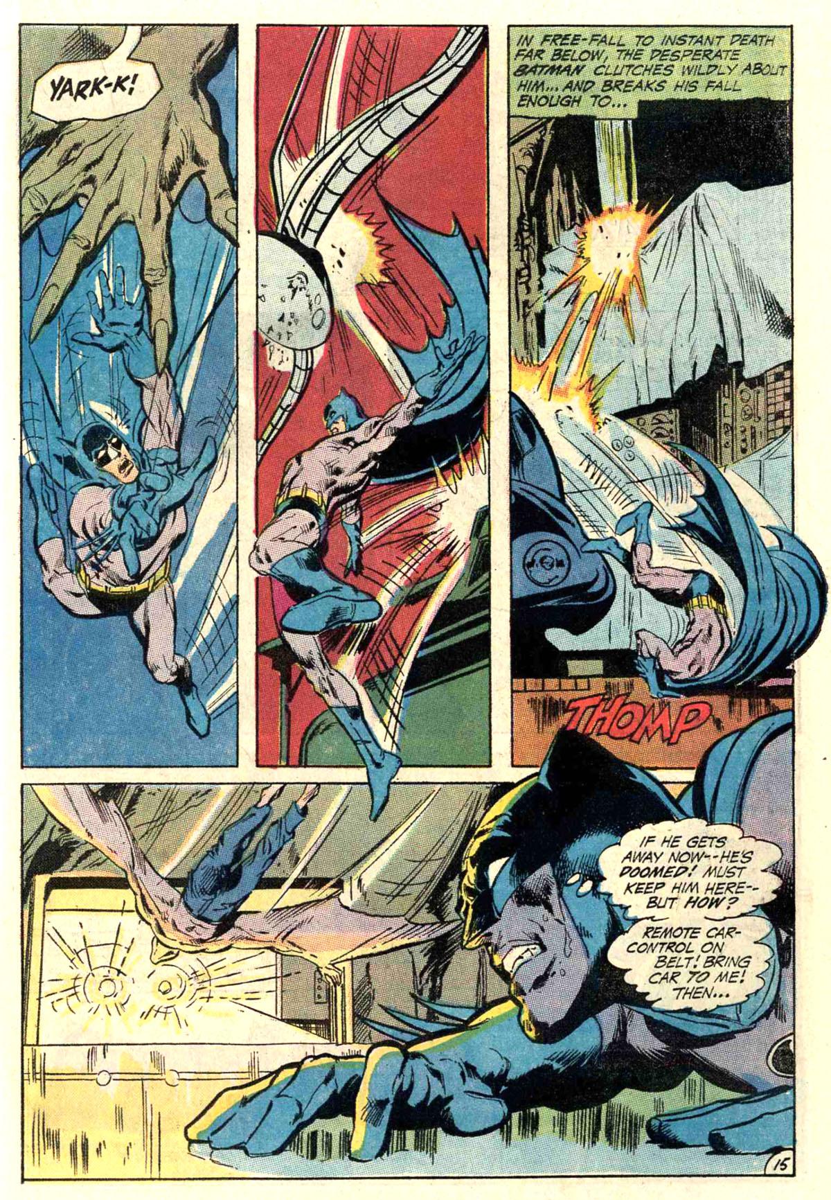 Detective Comics (1937) 402 Page 18