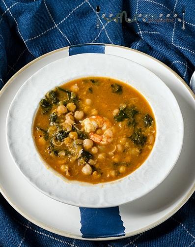 potaje-garbanzos-gambones-kale1