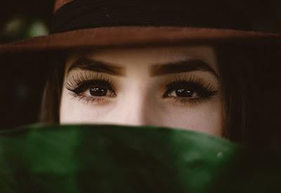 smudge proof eye makeup