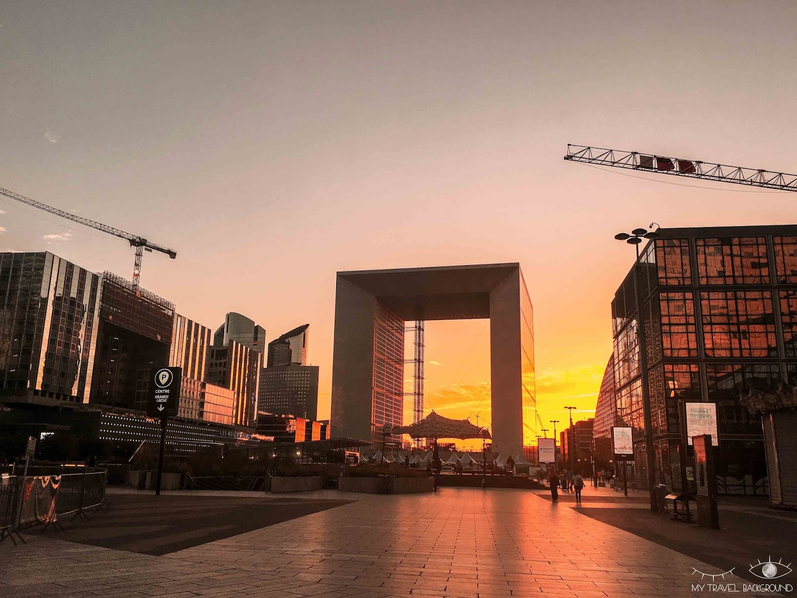 My Travel Background : Paris Promenade La Défense - Grande Arche