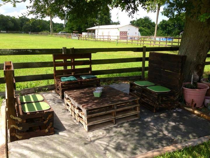 Ideas para reciclar palets de madera construccion y - Muebles de jardin hechos con palets ...