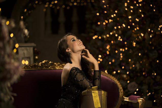 Mama karmiąca piersią modna w Święta, Sylwestra i nie tylko..