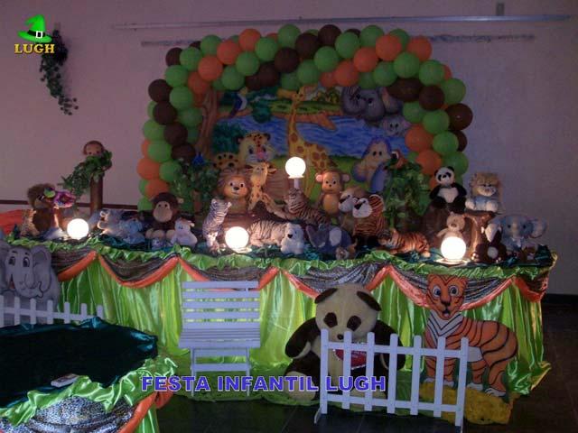 Decoração festa masculina de aniversário  - Mesa tradicional de tecido(pano) tema Floresta Baby