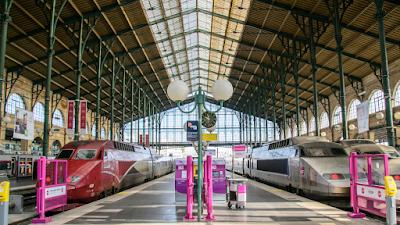 Kereta rel listrik | kereta api | tiket kereta api