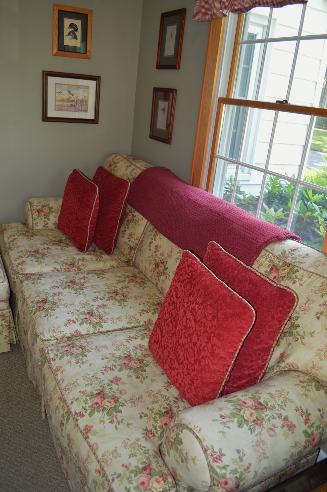 Floral Cottage Style Sofa