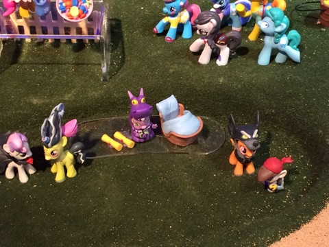 My Little Pony Friendship is Magic Collection Nightmare Night - CMC Background Ponies, Spike