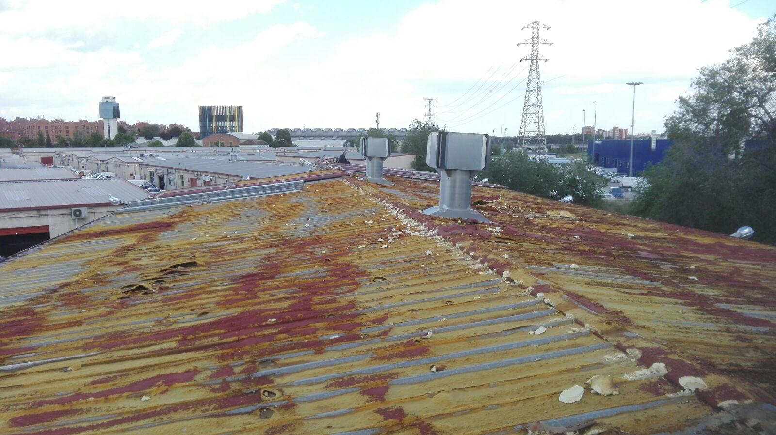 Reparar tejado antiguo fotos de trabajos de reparaci n de for Reparar tejados de madera