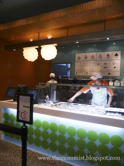 Pinkberry Power Plant Mall Shop