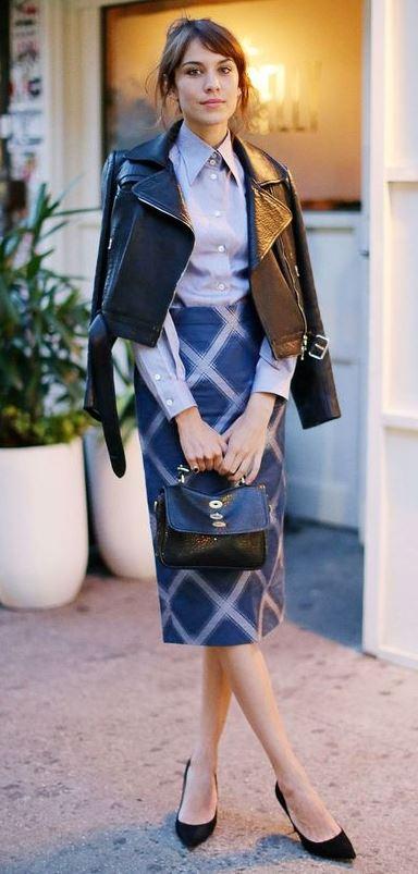 Proving that a pencil skirt + shoulder robing = fashion dynamite
