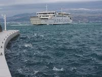 Jadrolinija trajekt Supetar - Split slike otok Brač Online