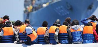 Az Európai Bizottság elfogadta azt a speciális intézkedést, amelynek keretében több mint 1,4 milliárd eurót folyósítanak, hogy a szíriai háború elől Törökországba menekülők és az őket fogadó és ellátó szervezetek támogatáshoz jussanak az oktatás, az egészségügy, a helyi infrastruktúra, valamint a társadalmi-gazdasági támogatás területén.